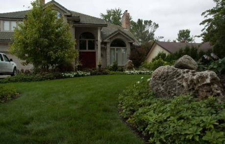boulders in landscaping